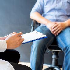 Tedavi Oranı Oldukça Yüksek Olan Testis Kanseri Neden Olur, Belirtileri Nelerdir?