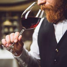 Dünyada Şu An Sadece 384 Kişinin Sahip Olduğu Prestijli Unvan: Şarap Üstadı