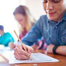 İyilik Yapmak İsterken Her Şeyi Daha Kötü Hale Getirme Hikayelerinden Biri: 'Lise Aşkının Sınav Kağıdını Düzenlemek'