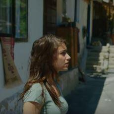 Shameless'ın Türkiye Uyarlamasının Emmy Rossum'u Dumura Uğratan İlk Fragmanı
