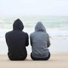 Mutsuz Düşüncelerin İntiharın Eşiğine Sürüklediği Kişiyi Hayata Geri Kazandıracak Şeyler