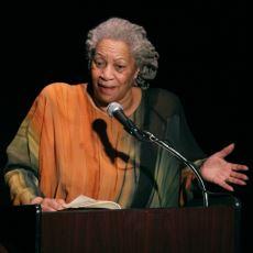 Afro-Amerikan Edebiyatın Nobel ve Pulitzer Ödüllü Büyük Yazarı: Toni Morrison