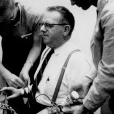 İtaat Etmenin Geldiği Son Noktayı Anlatan Deney: Milgram