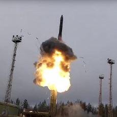 Rusya'nın Sesten 27 Kat Hızlı Füze Sistemi, Dünya Siyaseti İçin Ne Anlama Geliyor?