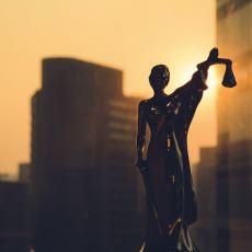 Bir Yargıcın, Suçsuzluğuna İnandığı Bir Sanığın En Ağır Cezayı Almasına Engel Olamayışının Hikayesi