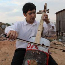 Çöplerden Müzik Aleti Yaparak Çöpü Müziğe Çeviren Topluluk: Landfill Harmonic