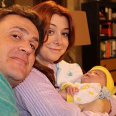 """Sosyal Medya ile İyice Coşan Olay: Yeni Nesil Annelerdeki """"Çocuk Doğurdum"""" Şımarıklığı"""