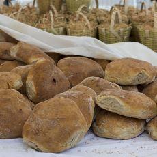 Babaların Bitmek Bilmeyen Mağara Adamı Ekmeği Tutkusu