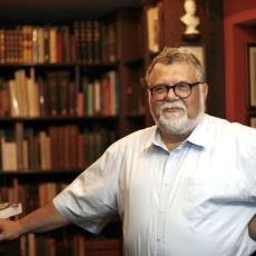 Celal Şengör'ün 50 Binden Fazla Kitap Barındıran Müthiş Kütüphanesi