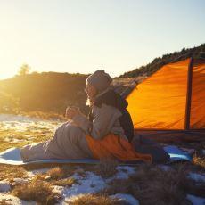 Kamp Tatilinin En Önemli Unsurlarından: Uyku Tulumu Seçiminde Dikkat Edilecek Şeyler