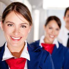 """Uçağa Binişlerde Hosteslerin Gülümseyerek """"Hoşgeldiniz"""" Demelerinin Altında Yatan Detay"""