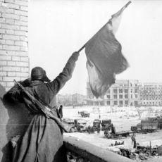 Çayınızı Kahvenizi Alın Gelin: Tarihi Değiştiren ve Hitler'in Sonunu Başlatan Stalingrad Savaşı