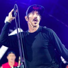 Red Hot Chili Peppers'ın Bitmek Bilmeyen Kaliforniya Sevdası