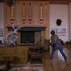 Kubrick'in, The Shining'de Sembolizmin Dibine Vurarak Anlattığı Kızılderili Soykırımı