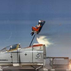 Neden Savaş Uçaklarında Olduğu Gibi Yolcu Uçaklarında Fırlatma Koltuğu Yok?