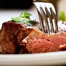 Günde 140 Gram ve Üstü Kırmızı Et Tüketmek Kolon Kanseri Riskini Artırıyor