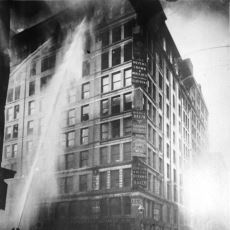 146 İşçinin Hayatını Kaybettiği Elim Olay: Triangle Gömlek Fabrikası Yangını