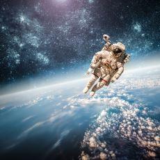 Işık Hızıyla Seyahat Eden Bir Astronot Geri Döndüğünde Ne Kadar Maaş Almalı?