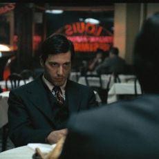 The Godfather'daki Restoran Sahnesinin Direkt Gerçek Bir Olaydan Esinlenmesi