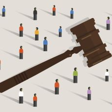 Hukuk Bireyi mi Korur Toplumu mu?