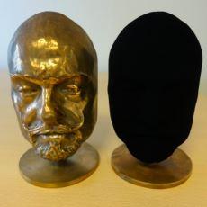 Dünyanın En Siyah Siyah Rengini Tekeline Alan Sanatçı: Anish Kapoor ve Renk Savaşları
