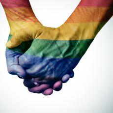 Eşcinsel Olduğunu Ailesine Açıklayan Bir Sözlük Yazarının Geçirdiği Sancılı Süreç