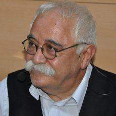 Siyasi Mizahı Başka Bir Seviyeye Çıkaran Levent Kırca'nın Hayat Hikayesi