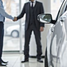 Birçok Zenginin de Yaptığı Gibi Araba Kiralamak Satın Almaktan Daha mı Akıllıca?