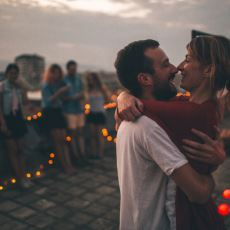 Aşık Olunca Bir Anda Azalan Arkadaş Sayısı