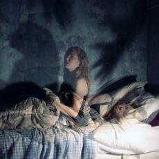 Derin Uykularda Kişinin Bilinçdışı Kendine ya da Çevresine Fiziksel Zarar Vermesi: Parasomnia