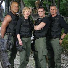 Bilim Kurgu Nasıl Olmalıdır Sorusuna Cevap Niteliğindeki Nefis Dizi: Stargate SG-1