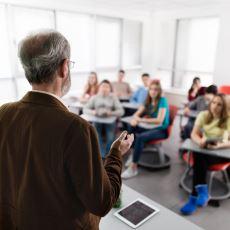 Lisans Eğitiminin Vazgeçilmezlerinden Biri: Mutlaka Yoklama Alan Üniversite Hocası