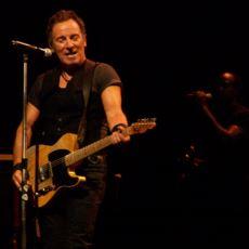 Bruce Springsteen'in En Basit Şarkısında Bile İnanılmaz Derin Mevzuları Anlatabildiği Gerçeği