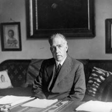 Atom Modeli ve Einstein ile Kuantum Mekaniği Tartışmalarıyla Ünlü Bilim İnsanı: Niels Bohr