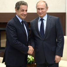 2010'ların Başında ABD'nin Araya Girerek Bozduğu Fransa-Rusya İlişkisinin Özeti