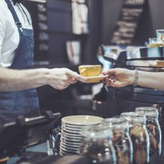 Starbucks Üzerinden Kahve Zincirlerine Yönelik Eleştirilere Sakin Sakin Cevap Veren Bir İnceleme