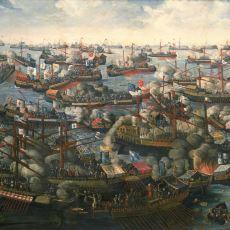 Osmanlı'nın, Tarihinin En Büyük Yenilgilerinden Birini Aldığı İnebahtı Deniz Savaşı