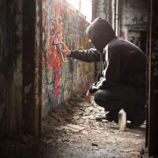Sokakların Ruhuna İşleyen İllegal Sanat Grafitinin Tarihi