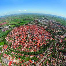 Meteorun Düşmesiyle Oluşan Kratere İnşa Edilen Şehir: Nördlingen