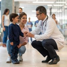 Akranlarınızın Size Farklı Bakmasına Neden Olan Durum: Doktor Çocuğu Olmak
