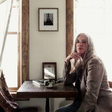 Hayatını Anlattığı Çoluk Çocuk Romanı İle Sevilen Yazar Patti Smith'in Başucu Kitapları
