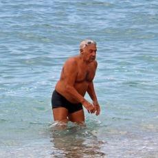Yazların En Acayip Olayı: Denizde 2 Kilometre Açılabilen Esrarengiz Amcalar
