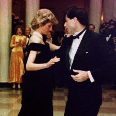 John Travolta'nın, Katıldığı Beyaz Saray Davetinde Bir Elbiseye İsmini Vermesi