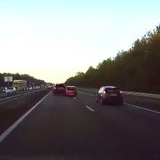 Tesla Araçların Bir Kazayı Önceden Fark Edebilme Özelliği