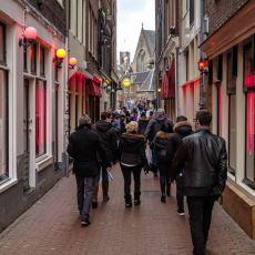 Amsterdam'ın 2 Senedir Görevde Olan Belediye Başkanının Tepki Çeken Yasakları