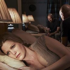 Odaya Biri Girdiğinde Neden Uyuyor Taklidi Yaparız?