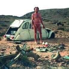 Gittiği Çöl Gezisinde Bozulan Arabasını Motosiklete Çevirerek Yaratıcılık Konuşturan Adam: Emile Larey