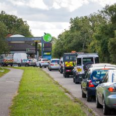 Son Haftalarda İngiltere'de Neden Bir Benzin Krizi Yaşanıyor?