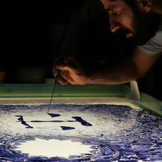 Ebru Sanatına Modern Bir Bakış Açısı Getiren Sanatçının Hayran Kalınası Çalışmaları