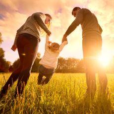 """Modern Ebeveynlerdeki """"Çocuğum Muhteşem Ötesi Olsun"""" Takıntısının Sağlam Bir Analizi"""